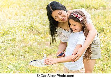 aide, jeu tennis, apprentissage, mère, girl, heureux