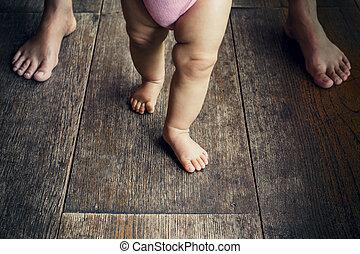 aide, promenade, apprentissage, mère, bébé, heureux