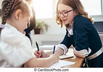 aides, plus vieux, devoirs, soeur