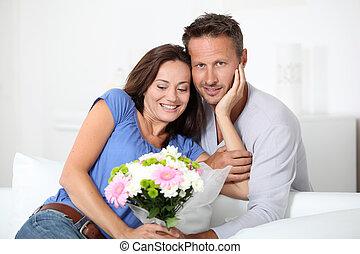 aimé, couple, heureux, jour, valentine