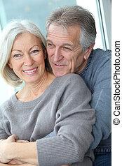 aimé, couple, heureux, portrait aîné