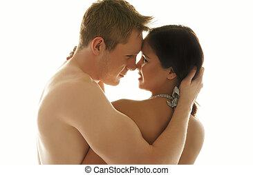 aimer couple, dans, a, offre embrassent