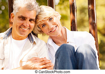 aimer, couples aînés, dehors
