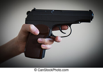 aiming., 子供, 銃, 手を持つ