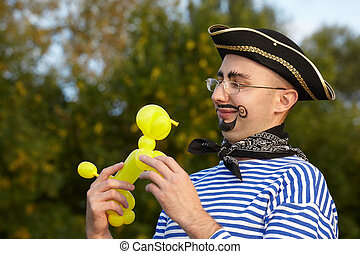 air-ballon., regarder, homme, complet, sourire, doggy, pirate, beau