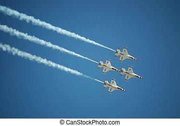 Air Force Thunderbirds - Thunderbird F-16\'s performing at...