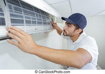 air, portrait, mâle, technicien, climatiseur, mi-adulte, réparation