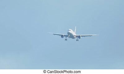 Airbus 320 approaching before landing on runway 25R....