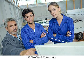 aircraft technician apprentice