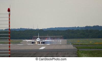 Airplane braking after landing