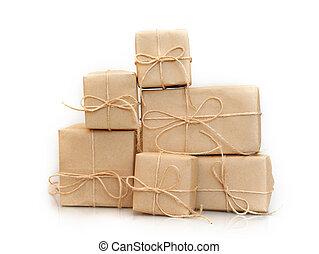 aislado, cajas, papel, plano de fondo, blanco, kraft