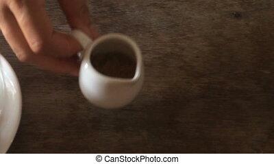 ajouter, café, sucre, remuer, tasse