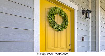 ajtó, fal, koszorú, sárga, lámpa, elülső