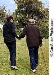 ajudando, ajudar, pessoas anciãs
