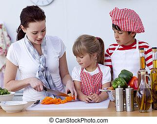 ajudando, cozinhar, crianças, cozinha, mãe