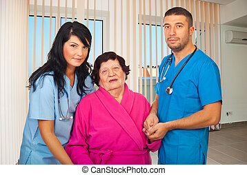 ajudando, mulher, paciente, Idoso, doutores