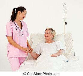 ajudando, paciente enfermeira, sênior