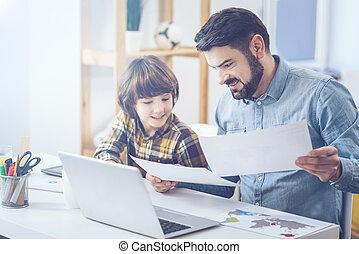 ajudando, pai, jovem, dever casa, filho