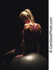 ajustar, assento mulher, ligado, um, ioga, bola
