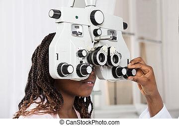 ajustar, optometrist's, phoropter, mão
