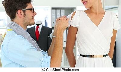 ajustement, concepteur, robe, manche