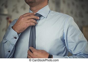 ajustement, sien, cravate, homme