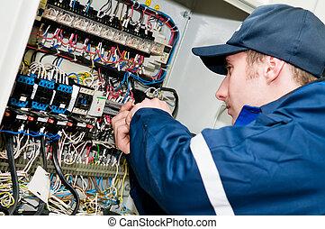 ajustement, travail, électricien, tension