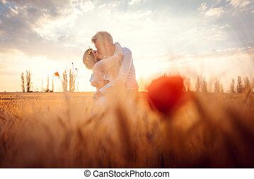 akker, trouwfeest, romantische, vatting, tarwe, paar te kussen