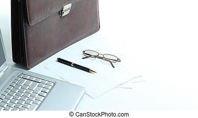 aktentasche, laptop, schreibtisch, stift, rgeöffnete