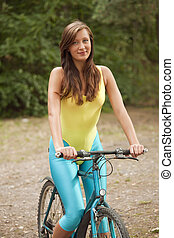 aktive woman on cycle