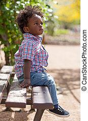al aire libre, banco, negro, bebé, retrato, sited