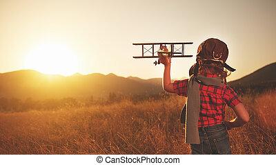 al aire libre, juego, viajar, niño, avión, feliz, aviador, sueños, piloto