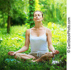 al aire libre, yoga, yoga., mujer joven, ejercicio