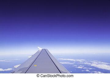 ala, di, aeroplano, nubi, in, il, cielo, vista, da, finestra.