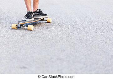 alacsony, kilátás, által, skateboarders, foots