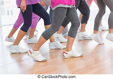 alacsonyabb gerezd, közül, alkalmasság osztály, cselekedet, pilates, gyakorlás
