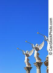 alado, estatuas, troubadours