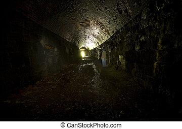 alagút, vasút, leszoktatott, sötétség