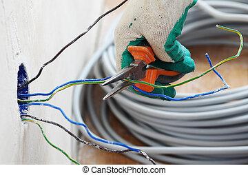 alambres, trabajador, pone