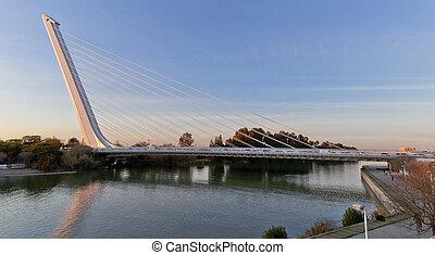 Alamillo bridge over Guadalquivir river in Seville from ...