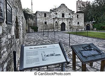 Alamo in San Antonio. - The Alamo in down town San Antonio...