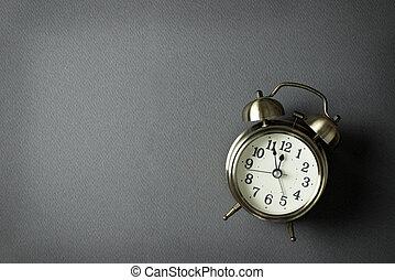 Alarm clock showing almost 12 o clock
