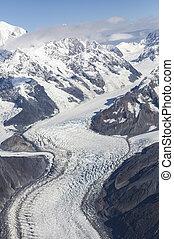 Alaskan curving glacier