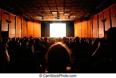 alatt, mozi