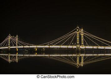 Albert bridge in Chelsea, London. - Night view of Albert ...