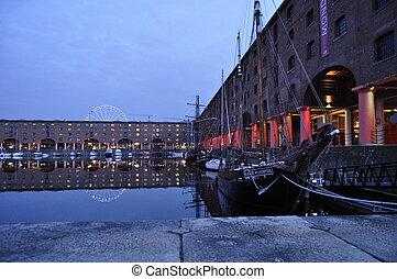 Albert Dock Riverside