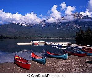 Alberta, lago,  Canadá, piramide