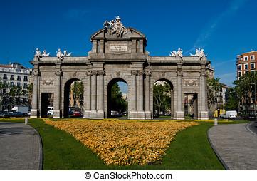 alcala, porta, (puerta, de, alcala), in, indipendenza, square., madrid, spagna