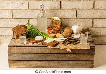 alcohol., eingemachte fische, knabberzeug, lebensmittel, outdoor., ukrainisch, speck, traditionelle , gobies, wodka, fleischtomaten, russische, soße, geräuchert, onions., beöegte brötchen