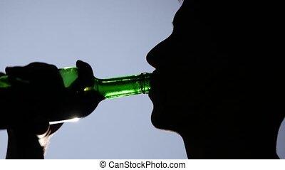 alcohol., jeune, haut, désespéré, fin, boire, homme